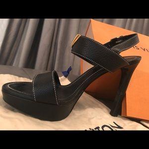 Like New - Louis Vuitton Black Heels